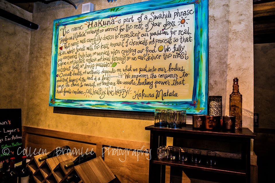 Hakuna Cafe & Lounge